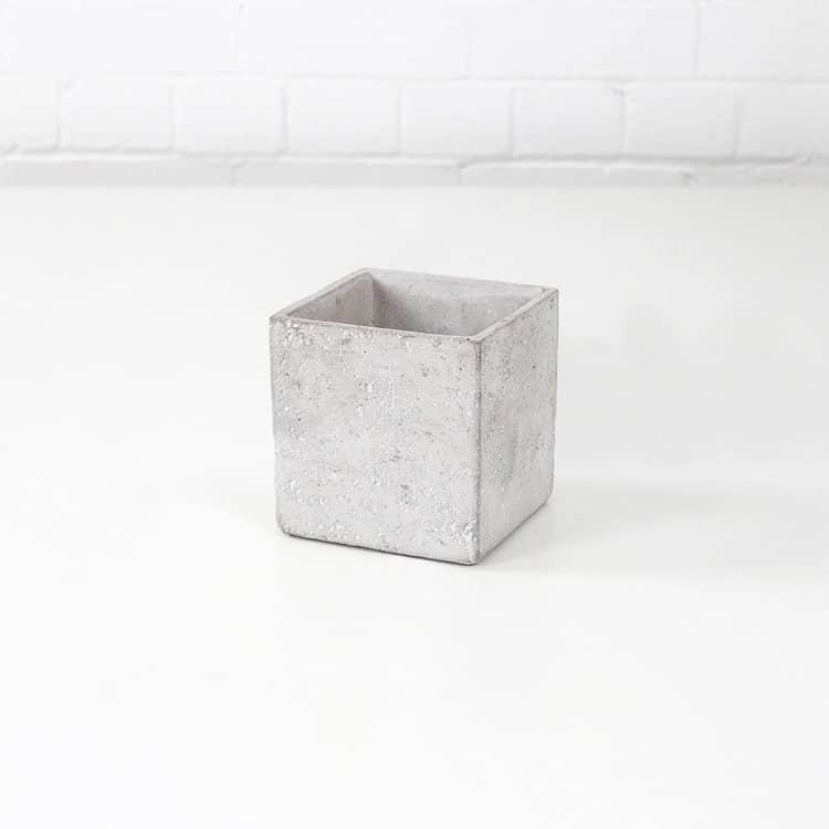 terra concrete plant pot